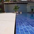 Detalle piscina desbordante perimetral