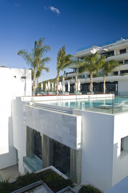 piscina de hotel sha wellness clinic