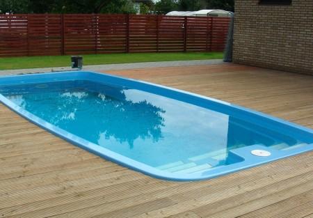 piscinaeconomica7 450x313 Valoras sólo el precio a la hora de construirte una piscina?
