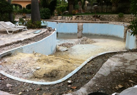 piscina para reformar 450x313 Piscina reformada.