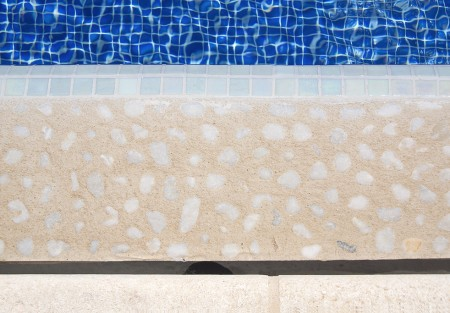 detallepiscina 450x313 Piscina reformada y convertida a infinity.