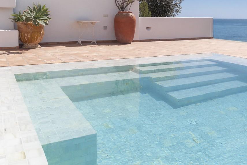 acceso piscinas