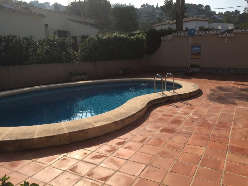 Reformar la piscina de casa.