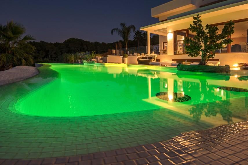 focos piscinas