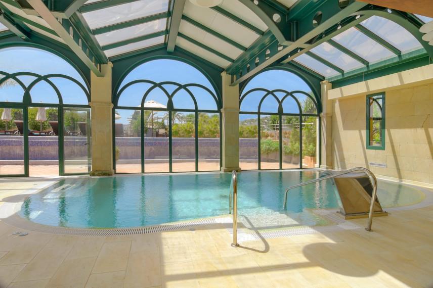 piscinahotel 856x570 Renovación piscina en Hotel Marriott La Sella Golf Resort & Spa.