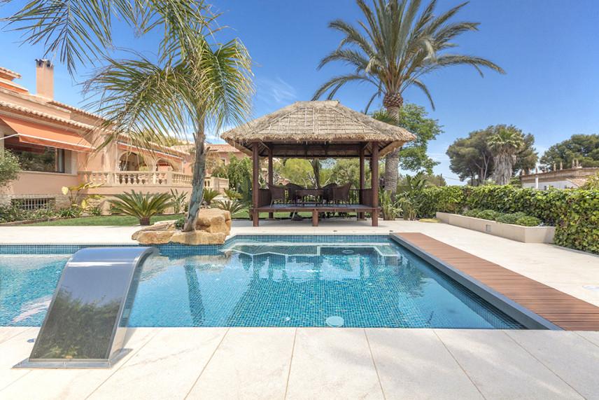 chambao piscina 856x571 Piscina reformada en Javea.
