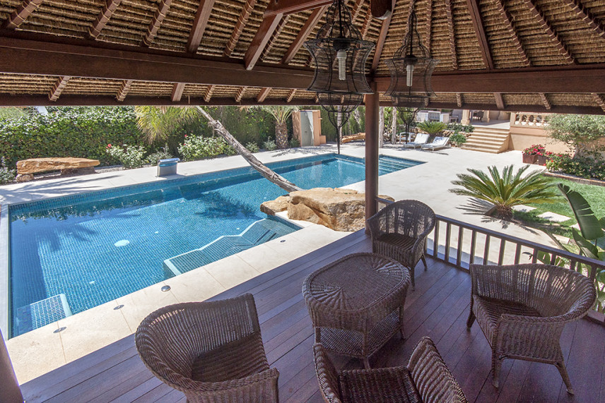 piscinas de bali 856x571 Piscina reformada en Javea.